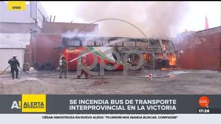 Un bus de transporte interprovincial se incendió en terminal de La Victoria