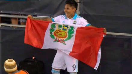 Raúl Ruidíaz anotó en la victoria de Seattle Sounders y celebró con bandera peruana