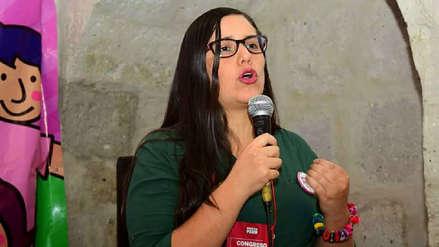 Verónika Mendoza destaca anuncio de Vizcarra sobre referéndum