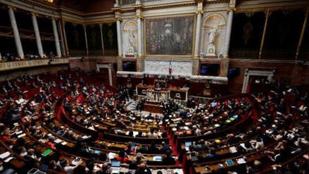 Francia multará con hasta 750 euros los comentarios sexistas contra las mujeres