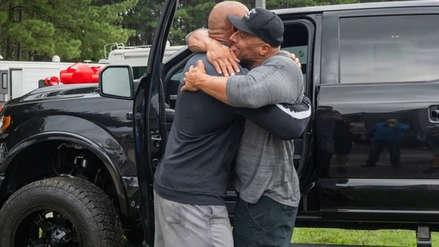 Dwayne Johnson 'La Roca' sorprende hasta las lágrimas a su doble de riesgo
