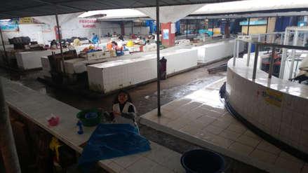 Recogen más de dos toneladas de basura en mercado Modelo de Chiclayo