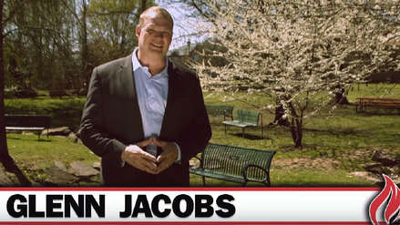 Exluchador WWE Kane es nuevo alcalde del condado de Knox en Tennessee