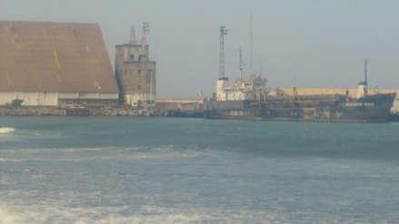 Nueve barcos no pueden descargar en el puerto de Salaverry por huelga