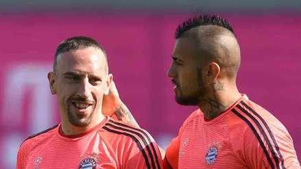 Ribery y Arturo Vidal, en un entrenamiento del Bayern Munich.