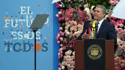 Iván Duque asumió la presidencia de Colombia e invocó a un ajuste de la paz