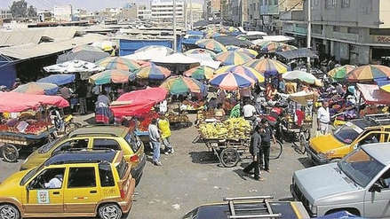 Ambulantes e informalidad en el mercado Modelo no tienen solución