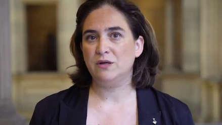 Agresión a turista y un tuit polémico provocan pedidos de dimisión a alcaldesa de Barcelona