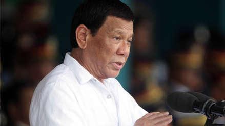 Presidente de Filipinas amenazó a un centenar de policías acusados de corrupción con matarlos