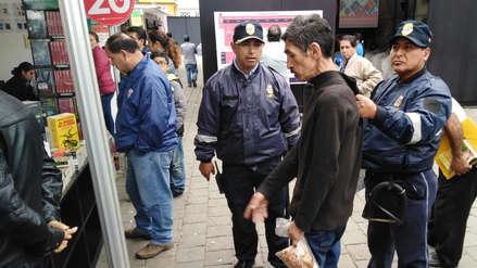 Roban libro de stand en la Feria Internacional del Libro de Trujillo