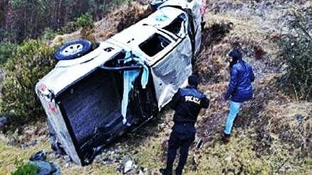 Tres personas fallecieron tras caída de camioneta del Minsa a un abismo en Apurímac