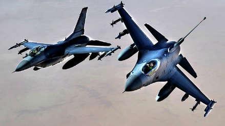 EE.UU. aprueba 716,000 millones de dólares para sus gastos militares