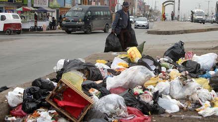 Contraloría detecta riesgos por acumulación de basura en El Agustino y Villa El Salvador