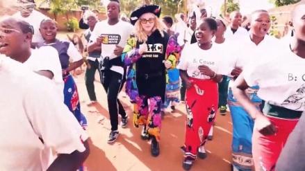 Madonna celebra sus 60 años con campaña a favor de niños en Malawi [VIDEO]