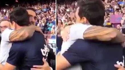 El emotivo saludo entre Messi y Tévez que desmiente su presunta enemistad