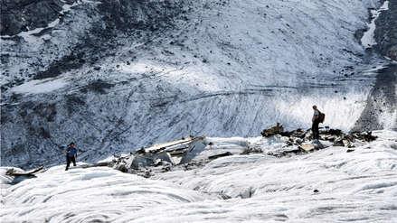 El deshielo de un glaciar saca a la luz los restos de un avión militar que se estrelló hace 72 años