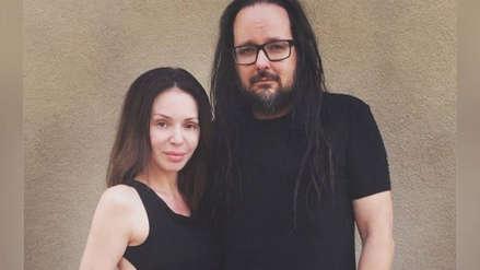 Muere la esposa del vocalista de Korn, Jonathan Davis