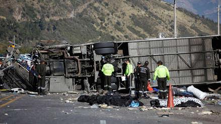 Fiscalía halló cocaína en el bus que se accidentó en Ecuador y dejó 23 muertos