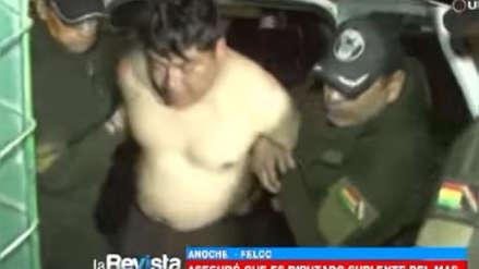 Partido de Evo Morales expulsó a diputado que se desnudó en aeropuerto