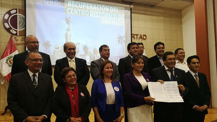 Candidatos firman compromiso por la recuperación de centro histórico