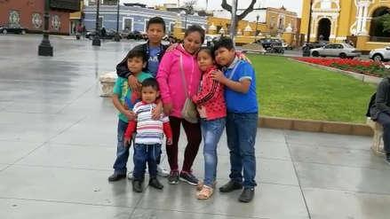 Niños celebran su día visitando plaza de armas de Trujillo