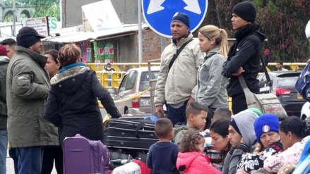 Venezolanos sin pasaporte logran ingresar en Ecuador en su camino a Perú