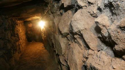 Arqueólogos descubren galerías subterráneas con entierros humanos en Chavín de Huántar
