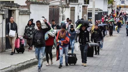 El drama de los venezolanos que huyen de su país y buscan llegar a Perú antes de que se exija el pasaporte