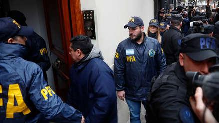 Policía allana vivienda de la expresidenta de Argentina Cristina Fernández de Kirchner