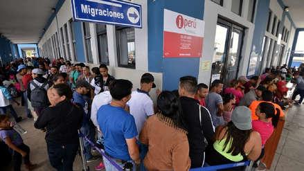 Paso fronterizo en Perú no se da abasto ante el éxodo de venezolanos