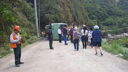 Empresa de bus que se volcó en Machu Picchu informó que heridos son atendidos