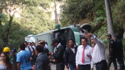 Un bus que retornaba de Machu Picchu se volcó en la carretera Hiram Bingham