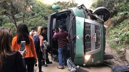 Ocho personas resultaron heridas tras la volcadura de bus con turistas en Machu Picchu