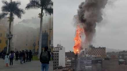 Bomberos atienden incendio en el Jirón de la Unión