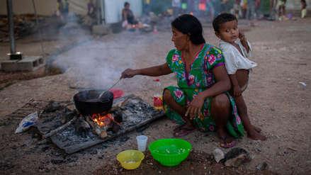 Indígenas venezolanos que huyeron por la crisis rehacen su vida en Brasil