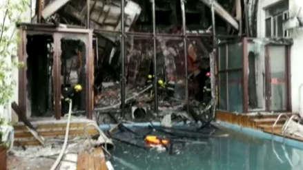 Al menos 18 muertos en un incendio en un hotel en China