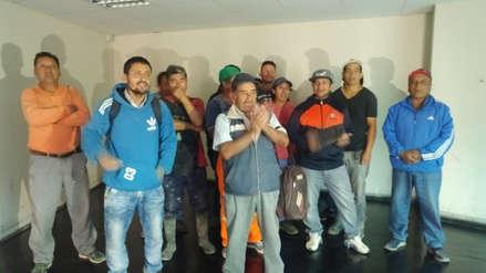 Trabajadores de construcción civil protestan por pagos atrasados