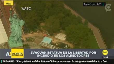 La Estatua de la Libertad fue evacuada por incendio en tanques de gas propano en zona aledaña
