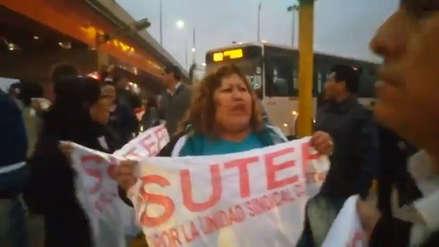 Manifestantes del SUTEP bloquearon las vías del Metropolitano y la avenida Caquetá