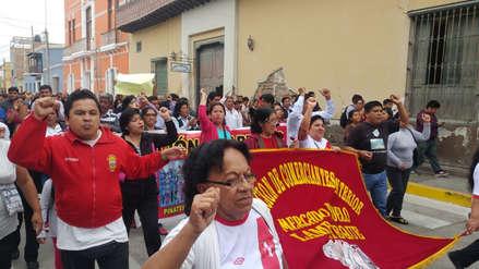 Comerciantes marchan en contra de remodelación de mercado de Lambayeque