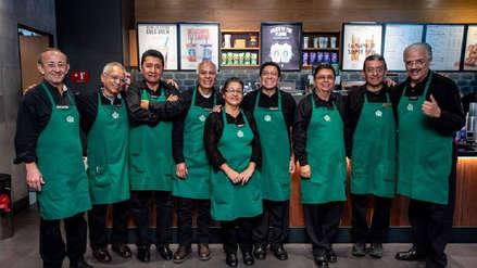 México: Starbucks abrió cafetería en la que solo atienden adultos mayores