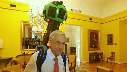 Piñera se puso mochila de Google Street View y registró imágenes de La Moneda
