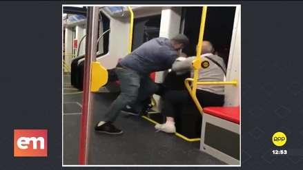 Video | Dos hombres intentaron sacar de un tren a joven que escuchaba música a alto volumen