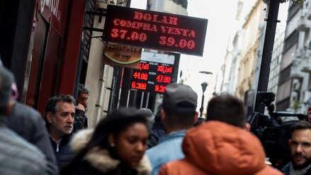 El peso argentino se desplomó un 21% en una semana de gran volatilidad