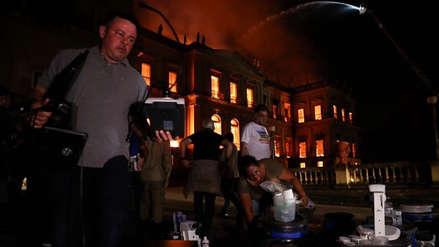 Río de Janeiro: Trabajadores del Museo Nacional intentaron salvar piezas durante el incendio