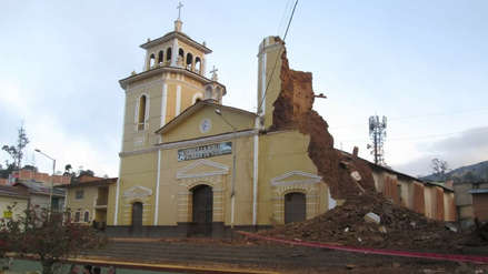 La torre de una iglesia colapsó en Cajamarca