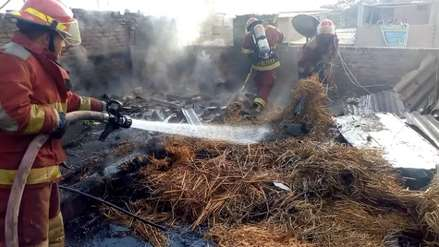 Bomberos controlan incendio en vivienda del distrito de Leonardo Ortiz