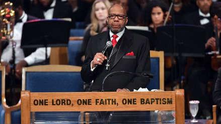 La familia de Aretha Franklin criticó al pastor que dirigió su funeral