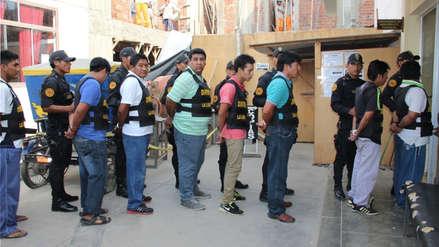 "Poder Judicial absolvió a 38 acusados de integrar red criminal ""Los Dragones Rojos"""