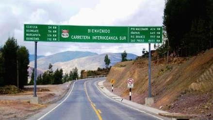 Cusco: tres muertos y 19 heridos tras despiste y caída de bus a un abismo